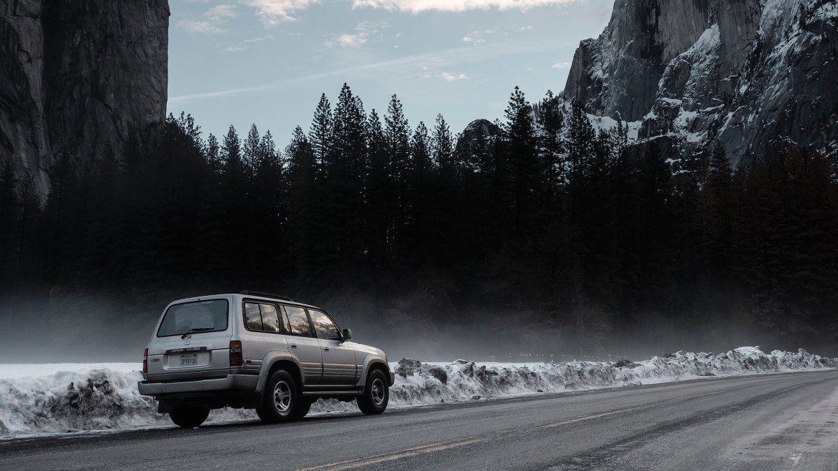 Inside Yosemite S Traffic Meltdown Scenic Road Trip Sport Utility Vehicle Vehicles