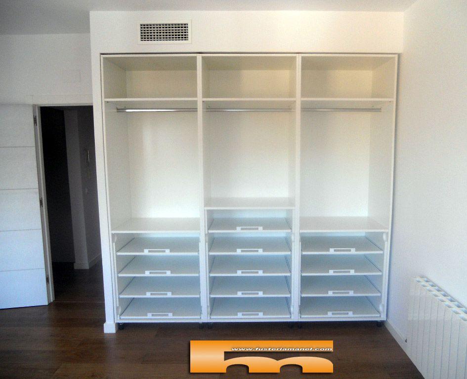 Armario a medida lacado proyecto for Interior armario zapatero