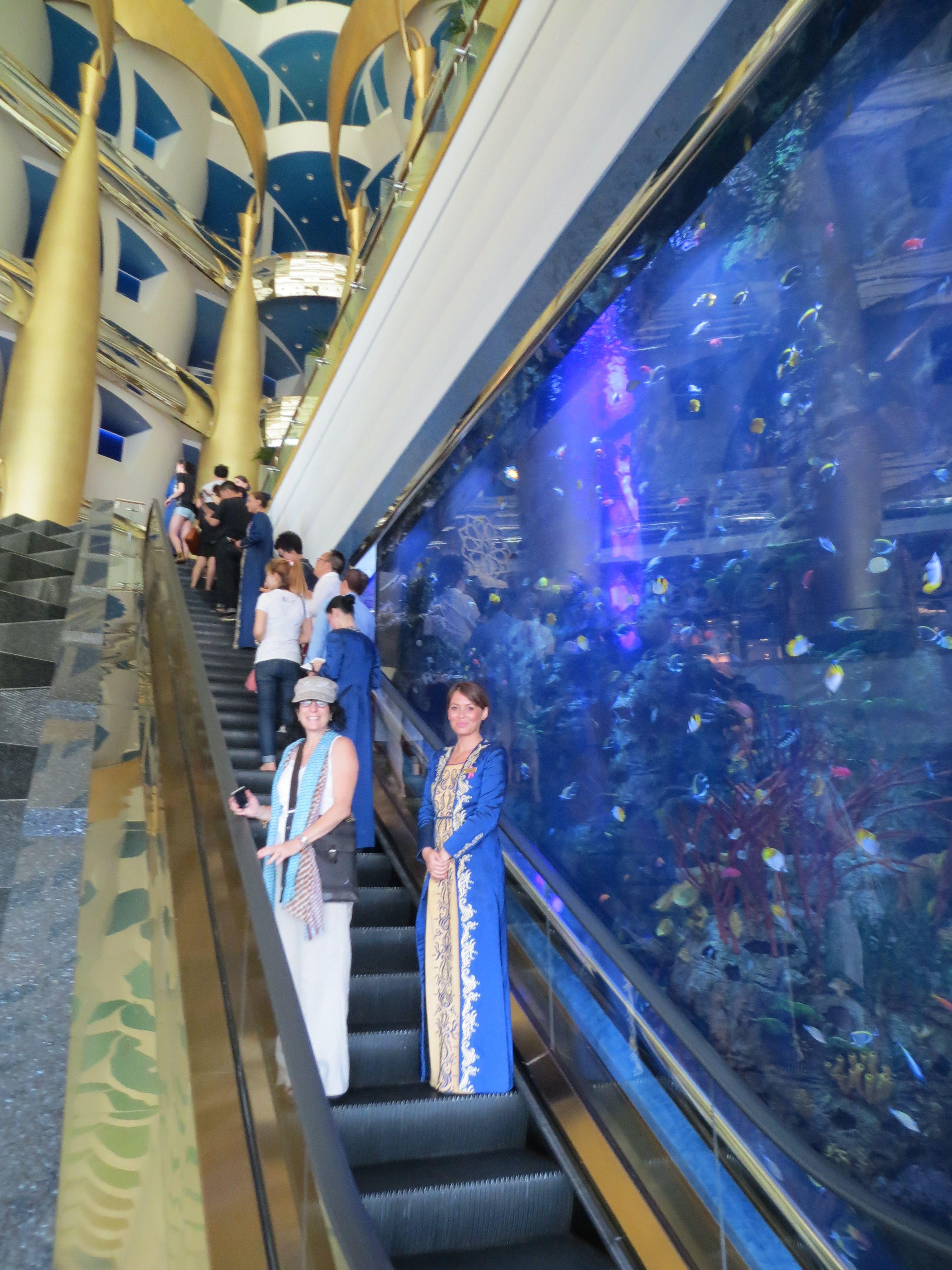 Lobby Entrance And Aquarium Burj Al Arab - Dubai' Sail