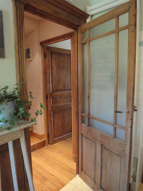 Exemple de porte en pin restaur e id es cuisine portes vitr es int rieures portes - Modele porte interieur maison ...