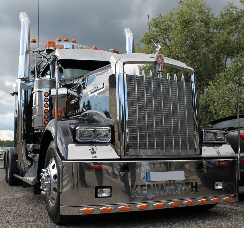 Camion americain kenworth camion pinterest semi for Camion americain interieur