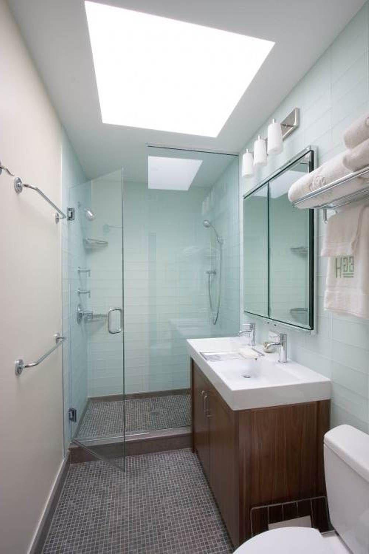Clean Small Modern Bathroom Designs : Spacious Small Modern Bathroom ...