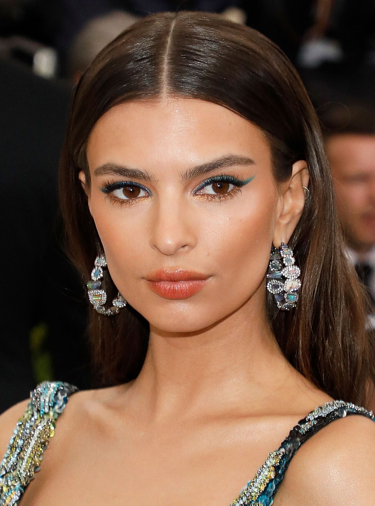 Spectacle-Wearing Stars And The 5 Makeup Tips They Should