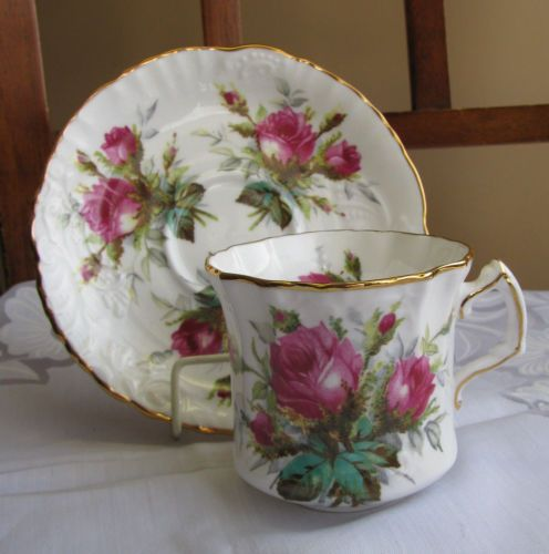 Royal Albert Bone China England GRANDMOTHERS ROSE Moss Tea Cup Saucer Set in Pottery & Glass, Pottery & China, China & Dinnerware   eBay