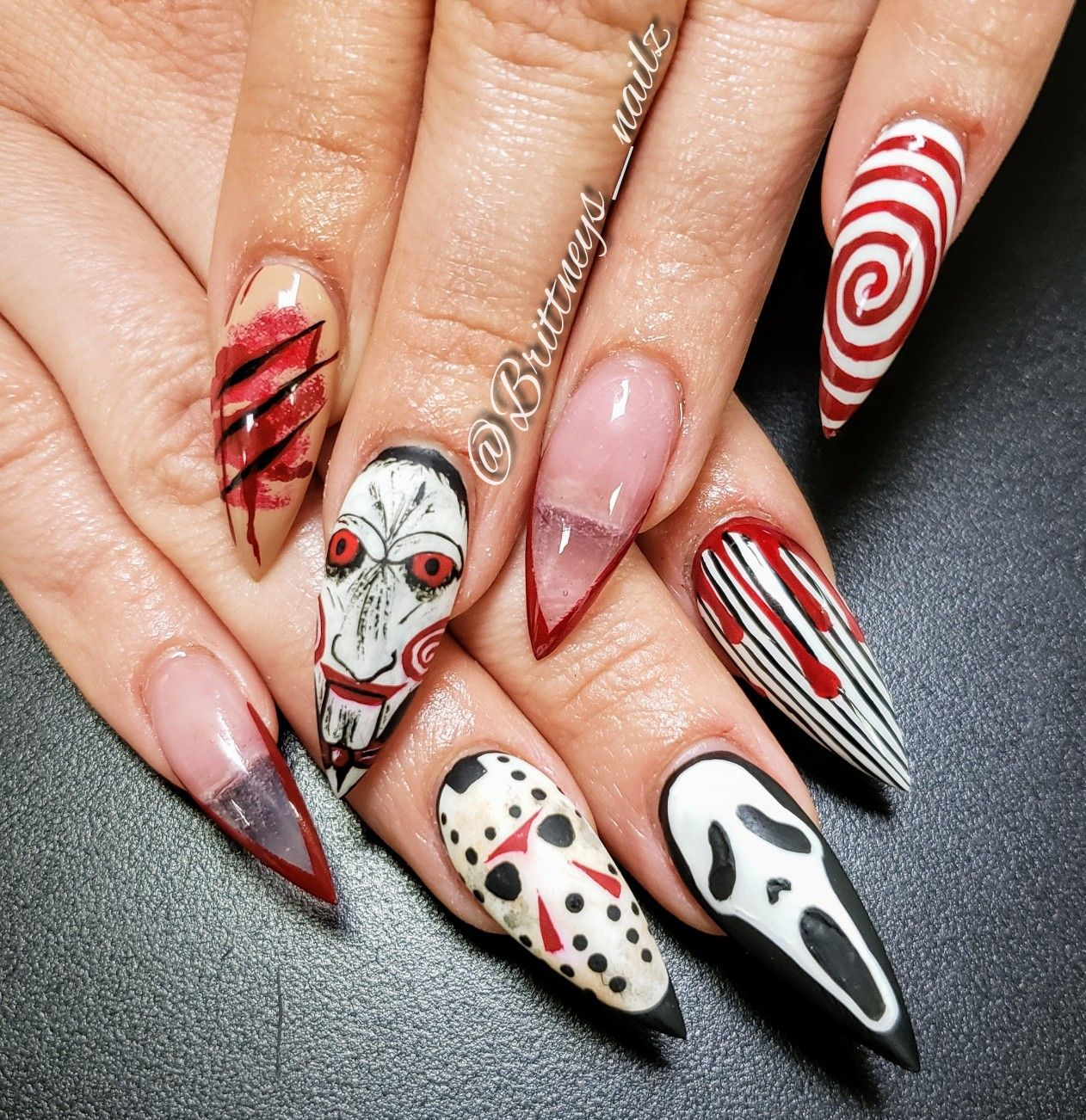 Halloween In 2020 Halloween Nail Designs Scary Nail Art Scary Halloween Nails Design