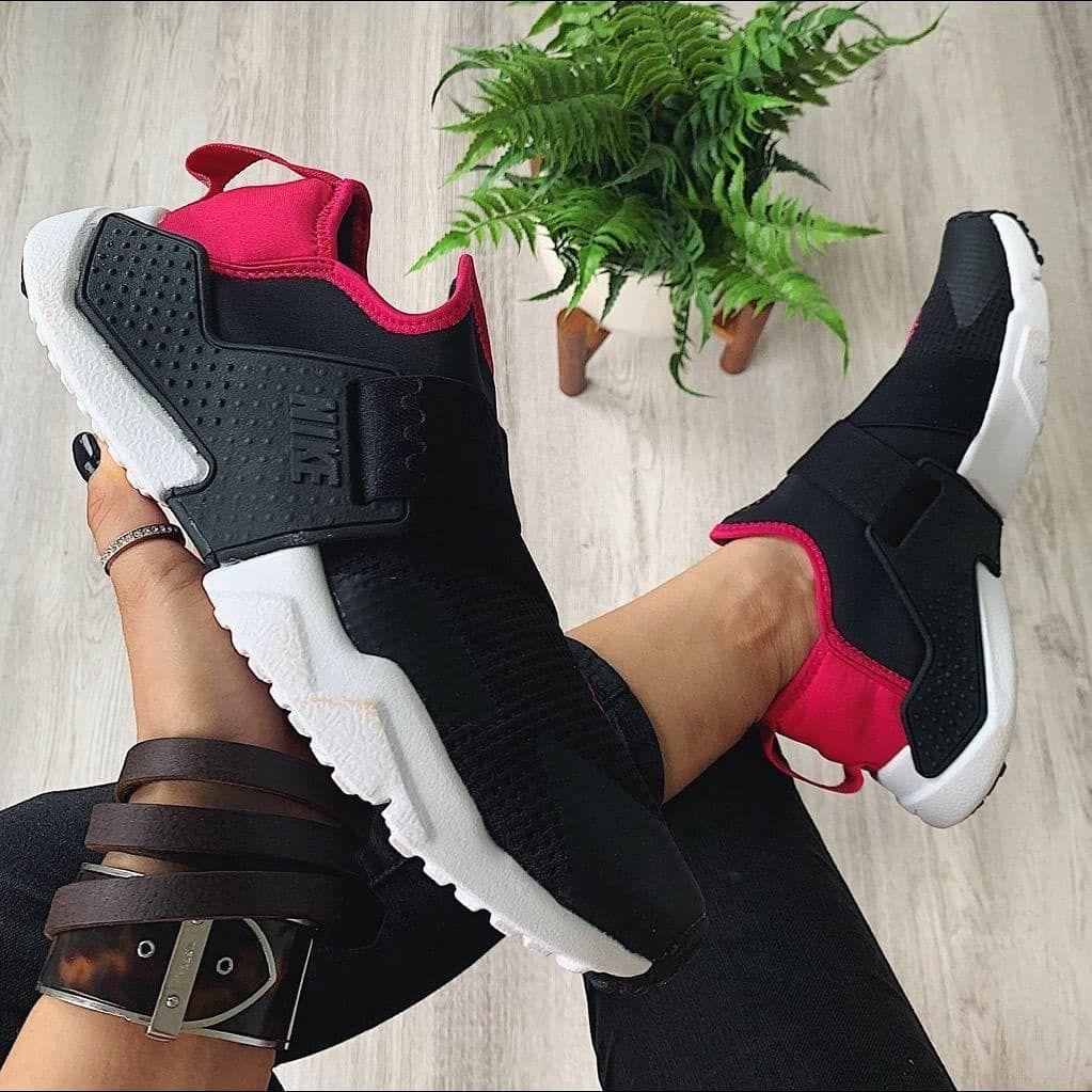 Implementar Exagerar lengua  Nike Air Huarache Extreme women's🔝🔥 ✅Producto nuevo y original 👌 ✅Talla:  7.5/ 24cm🏷 ‼ ✅Precio: Q575 .00🔥OFERTA!!! ✅Pedido… in 2020 | Nike huarache,  Huaraches, Sneakers