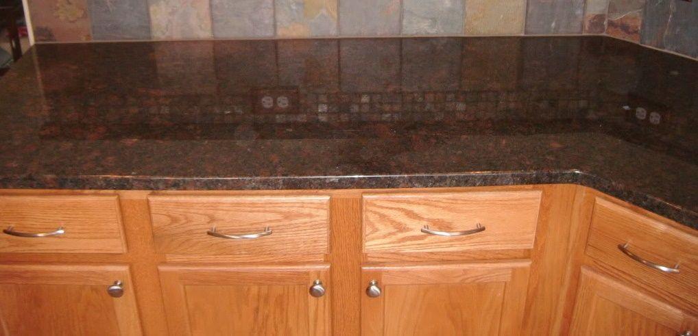 Suede Coffee Brown Granit Arbeitsplatten Http Www Granit Arbeitsplatten Com Suede Coffee Brown Granit Arbeitspl Mit Bildern Granit Arbeitsplatte Arbeitsplatte Granit