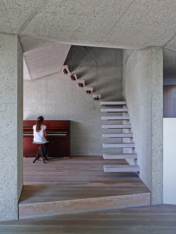 Außen Holz, innen Sichtbeton - Haus eines Architekten bei Augsburg ...
