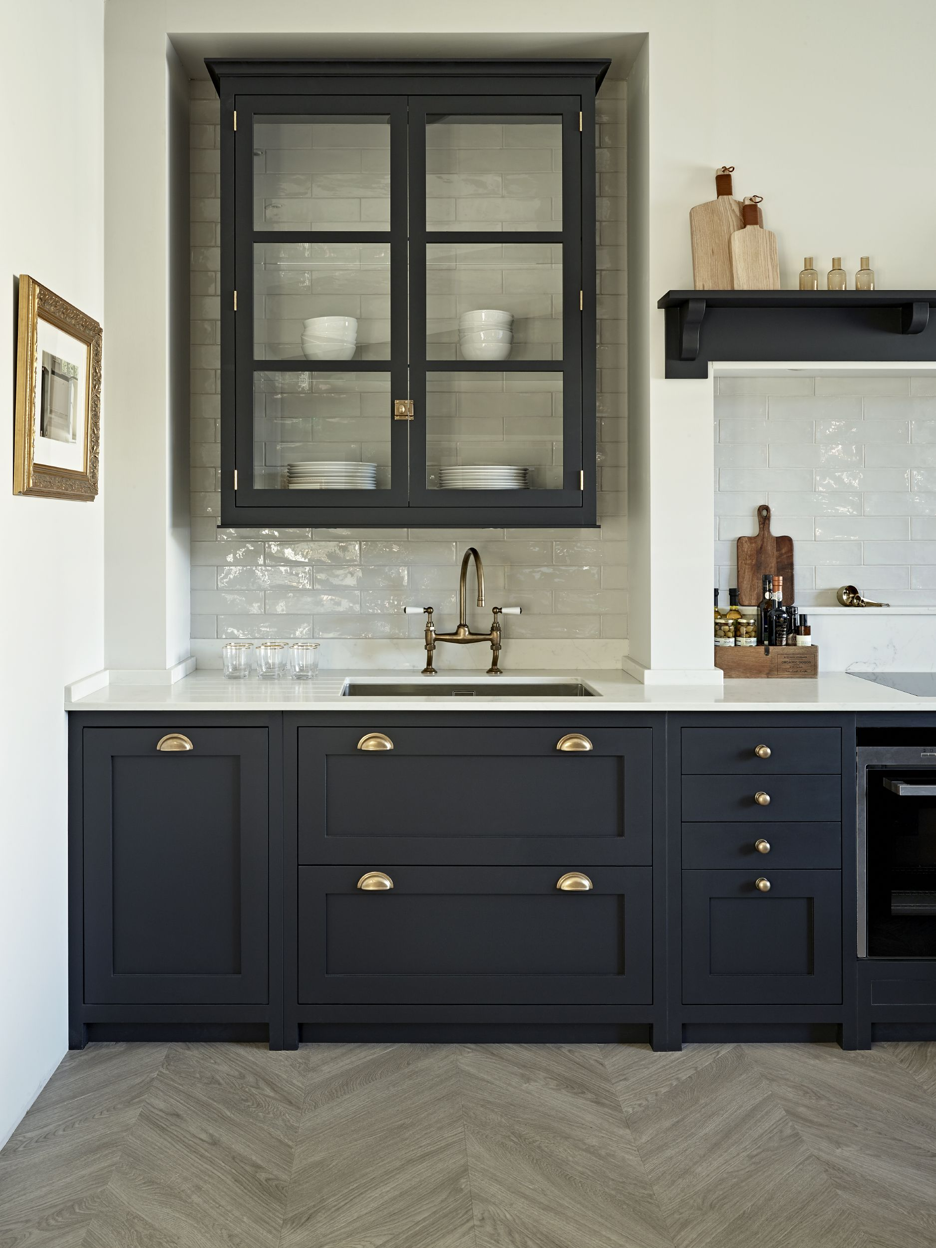 A Classic Original Shaker Kitchen From John Lewis Of Hungerford With A Modern T Contemporary Kitchen Design Contemporary Kitchen Cabinets Modern Kitchen Design