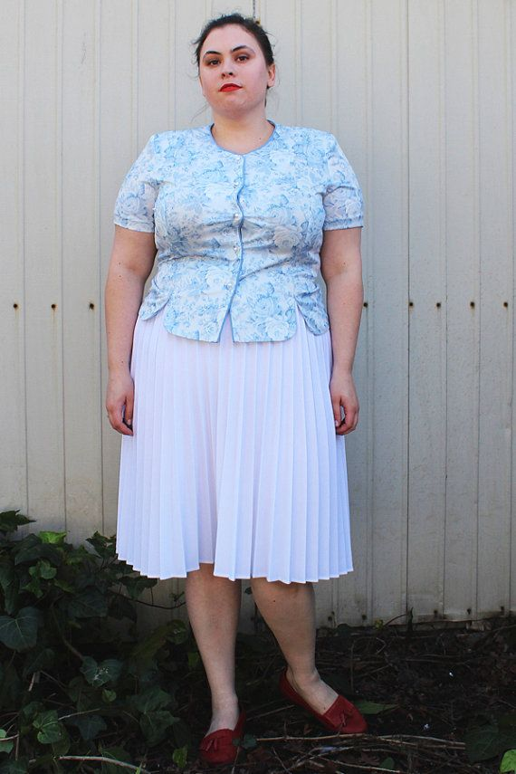 Plus Size - Vintage White Pleated Midi Skirt (Size 16/18) | Short ...