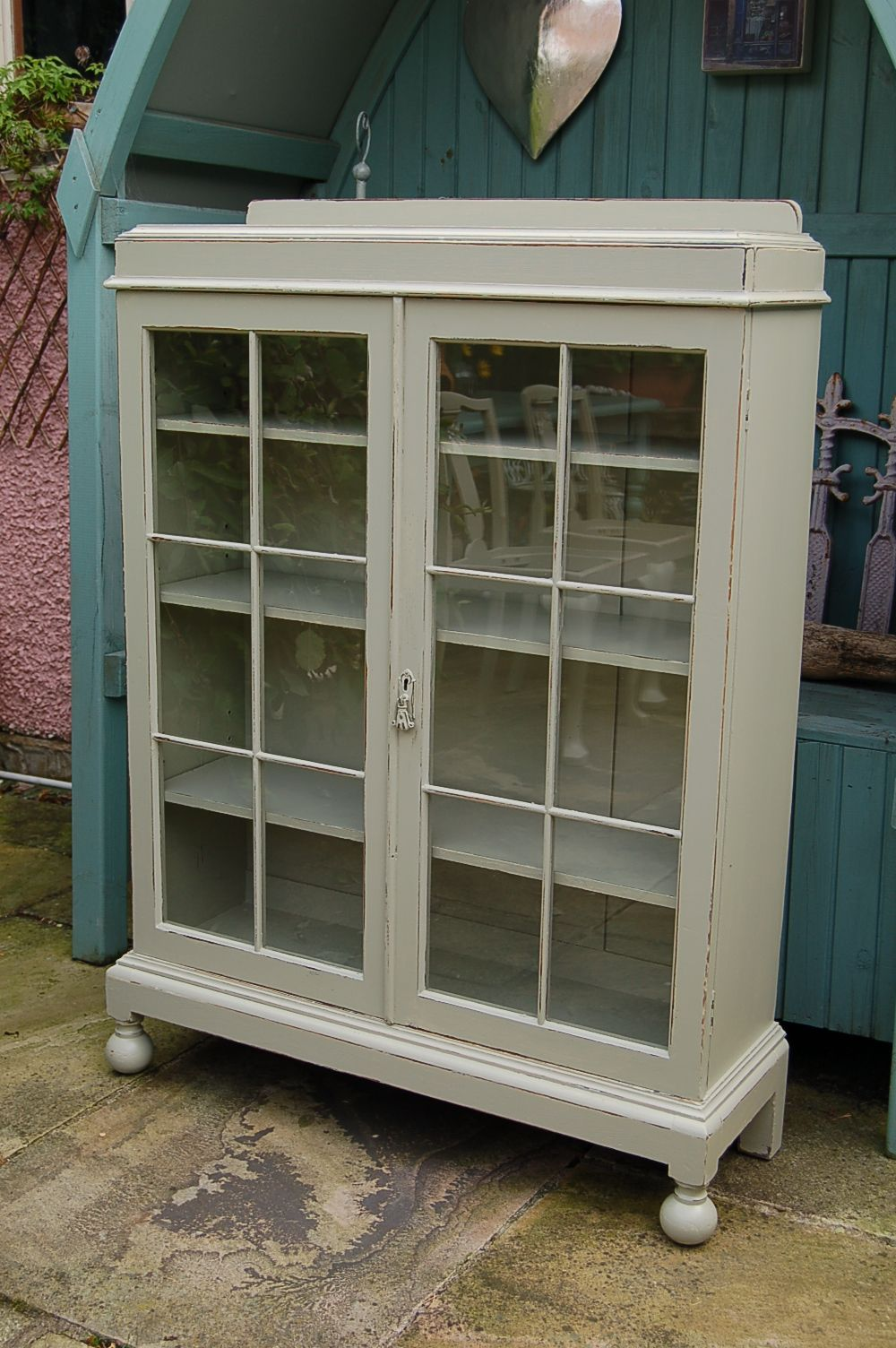 Vintage Display Cabinet Hand Painted And Distressed In F French Grey