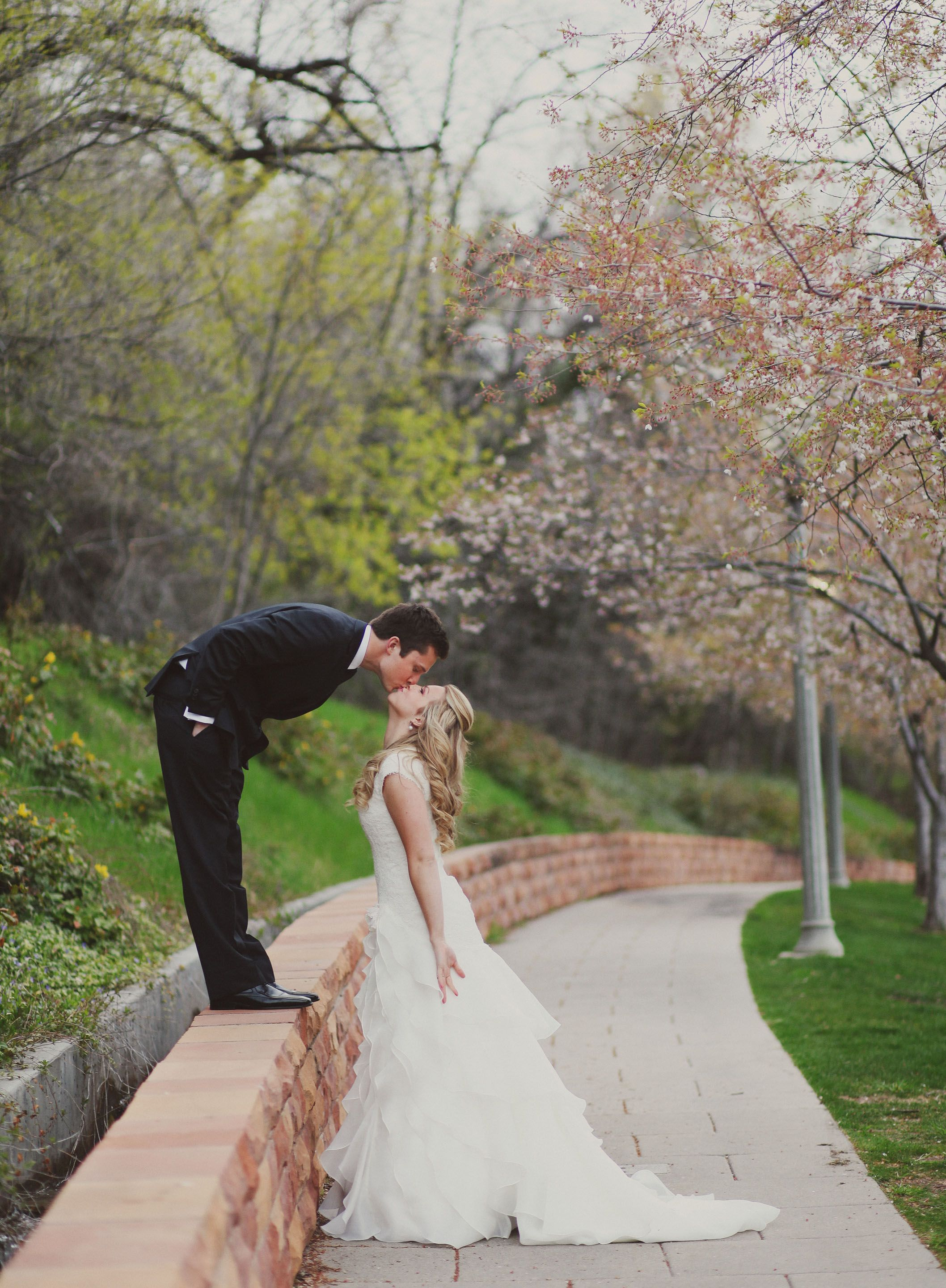 Wedding Photography Consultant: So Cute For The Shorter Husband!
