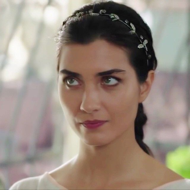 #tubabuyukustun #tubabüyüküstün #elifdenizer #enginakyurek #karaparaask #karaparaaşk #buyukustuners #buyukustunersforever #turkey #TagsForLikes #love #likes4likes #likebackteam #wearebuyukustuners #photooftheday #followme #istanbul #instagood #ايليف #العشق_المشبوه