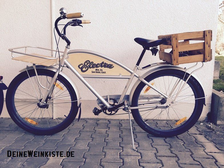 weinkiste als fahrradkorb hinten an vintage fahrrad 19. Black Bedroom Furniture Sets. Home Design Ideas