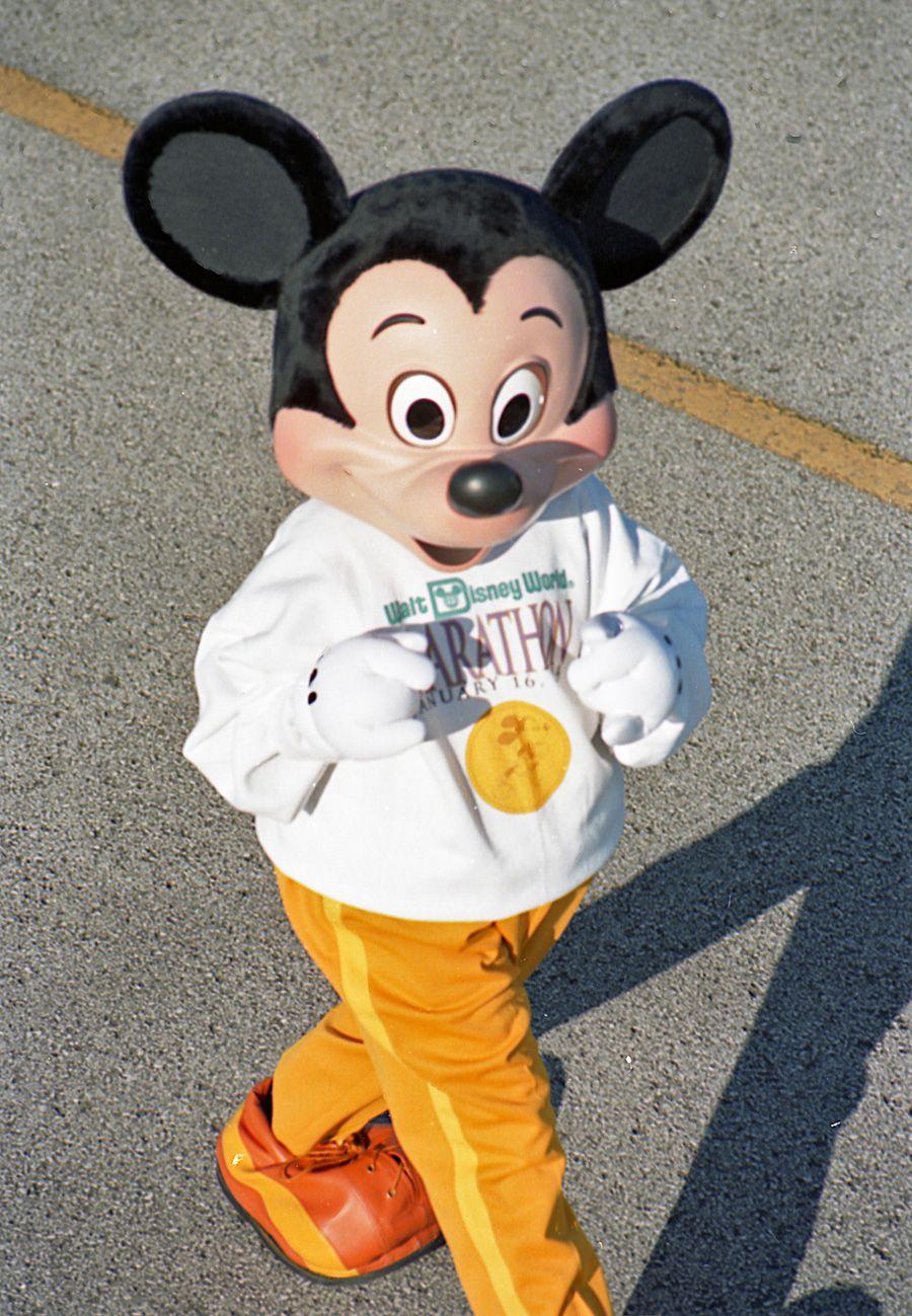 mickey mouse at the walt disney world marathon mickey mouse