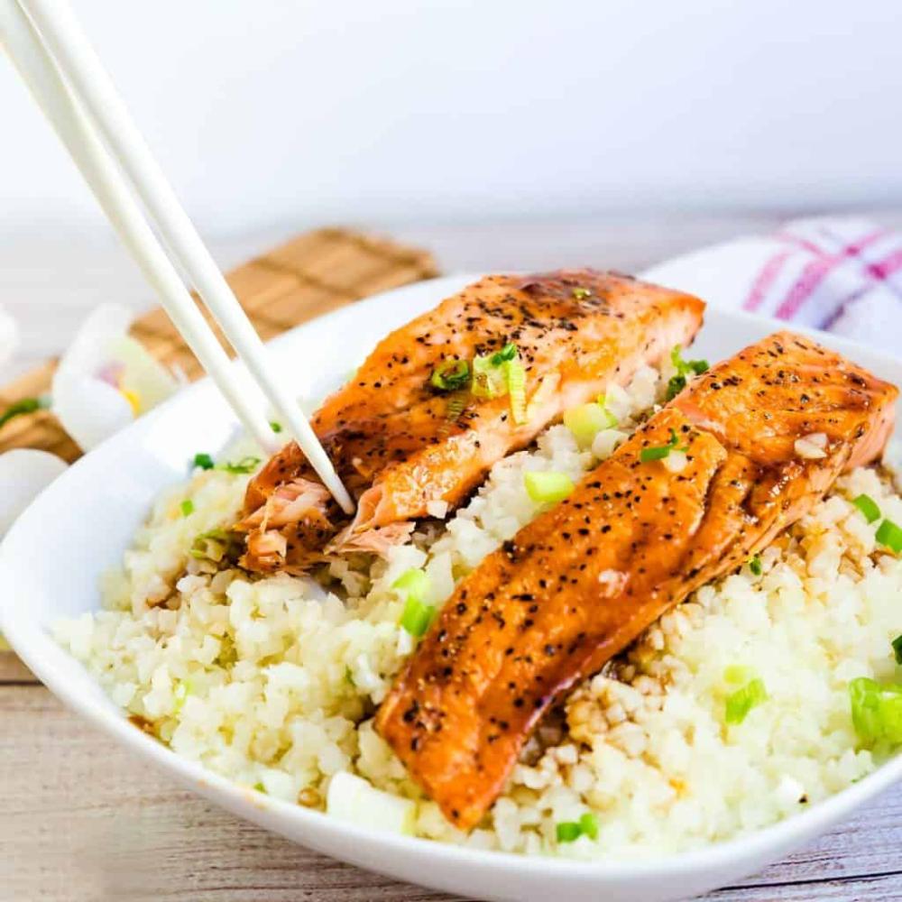 Teriyaki Salmon Bowl with Cauliflower Rice #teriyakisalmon