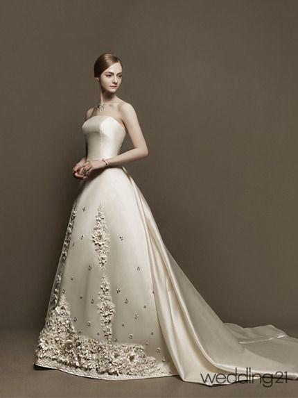케이크 같아요  http://m.media.daum.net/m/life/living/wedding/newsview?newsId=20140105100104891