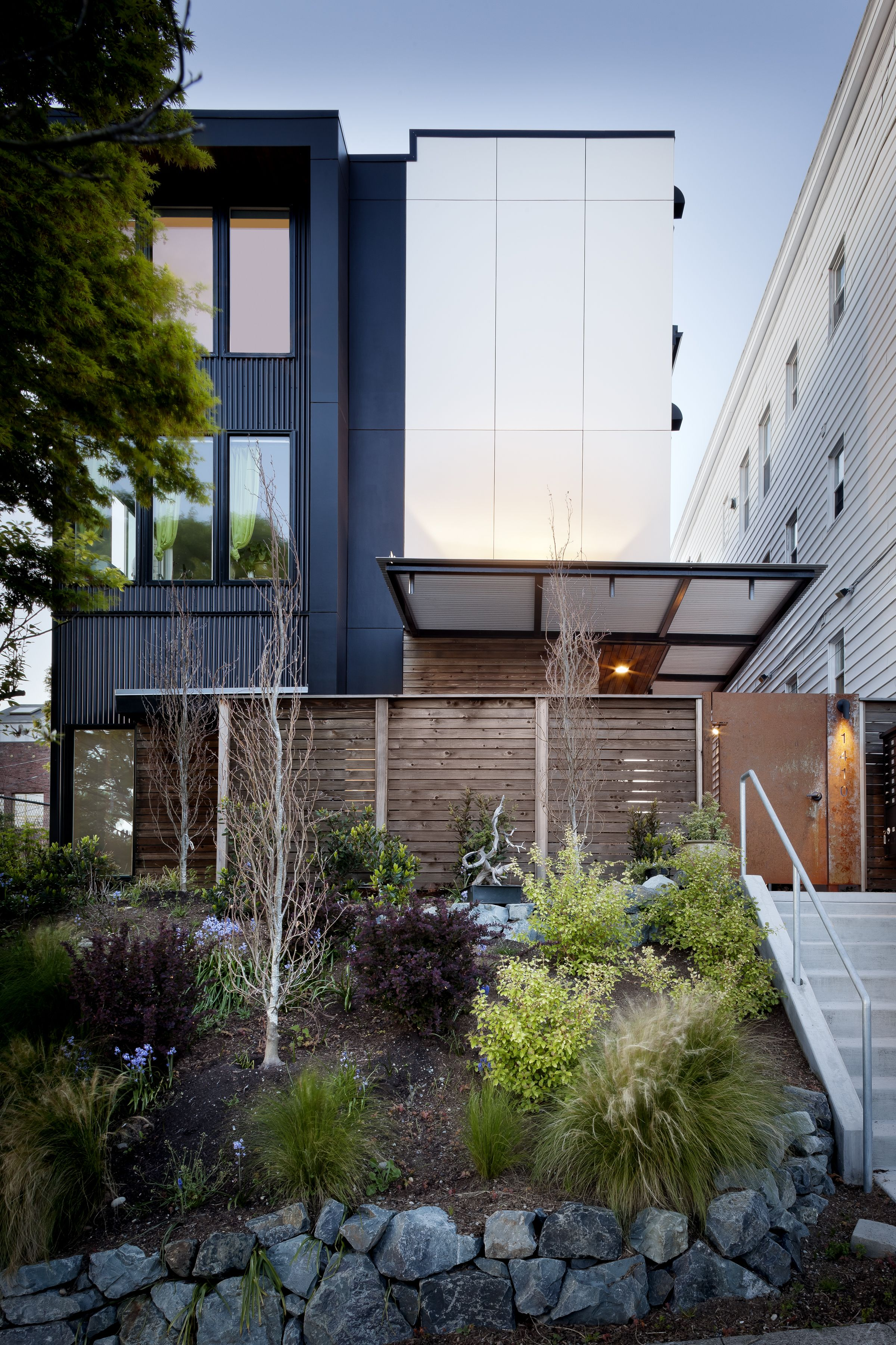 Exterior View Of Contemporary Apartment Building Designed By First Lamp Architects In Seattle Washing Building Design Design Build Firm Contemporary Apartment