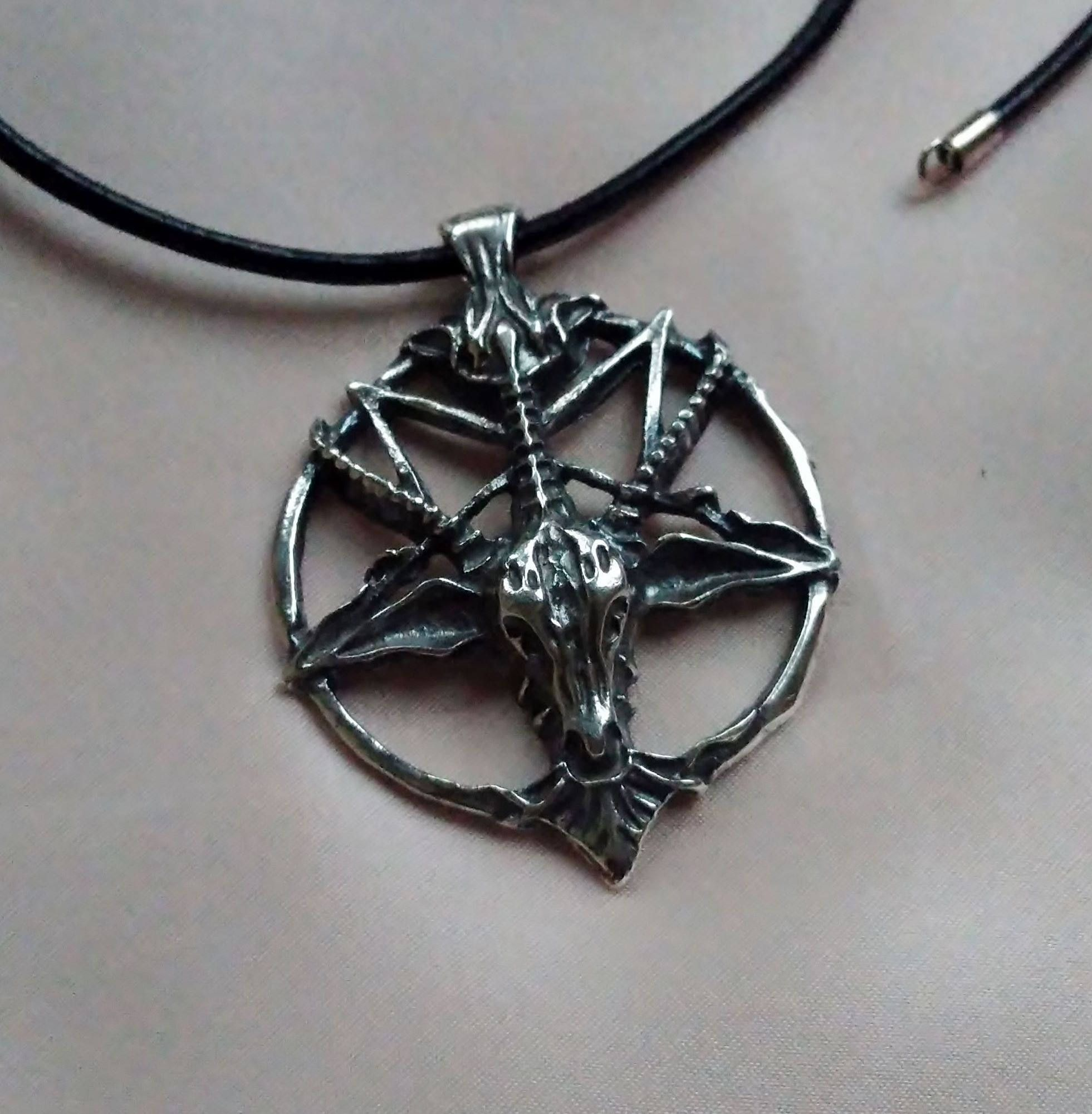 pendant necklace black streeter alex goat products goathead onyx