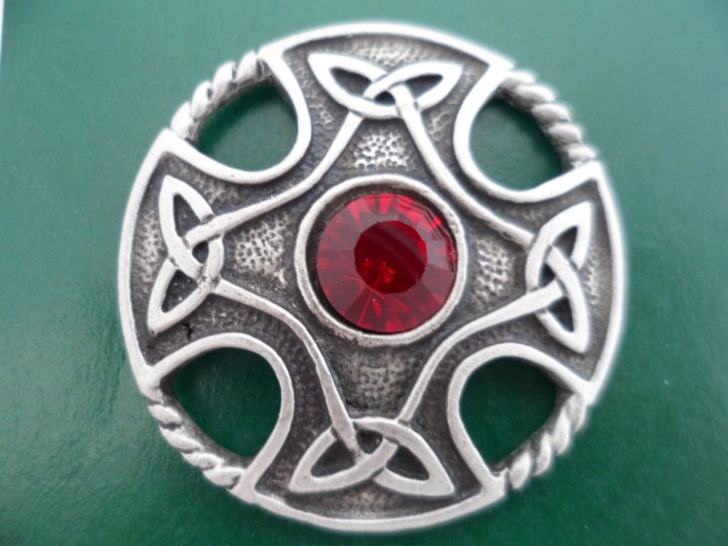 jewellery brooch circular shetland celtic