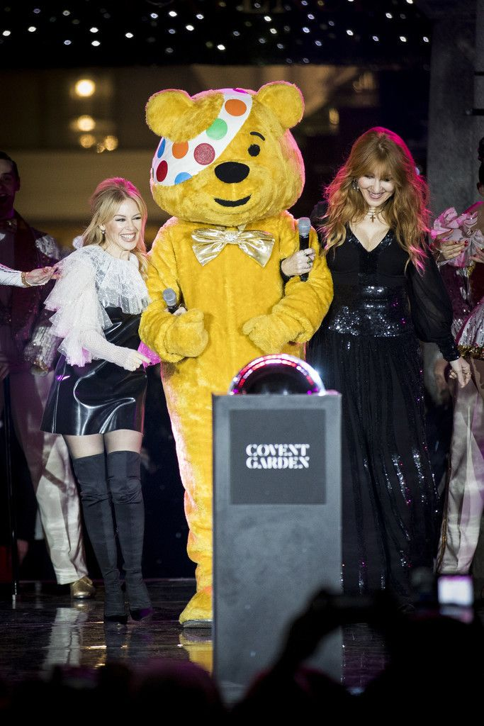 Km2017 Kylie Charlotte Tilbury And Pudsey Switch On The Covent Garden Christmas Lights Kylie Minogue Kylie Christmas Lights