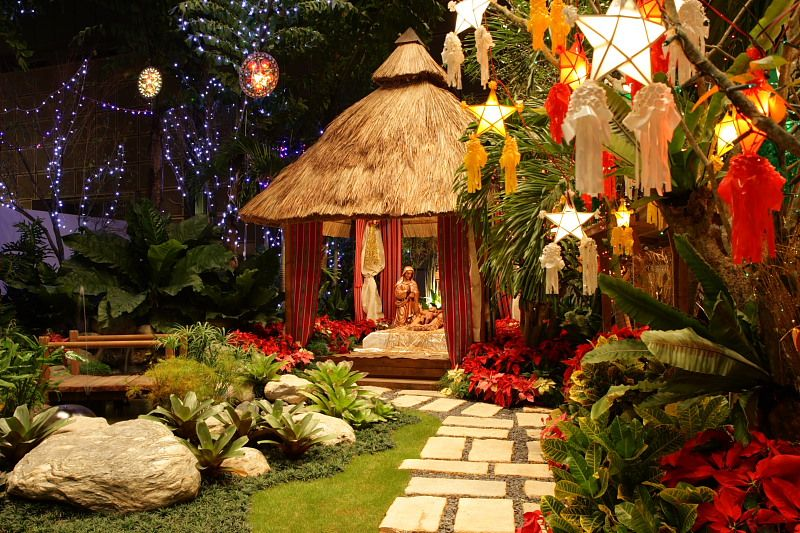 House Backyard In The Philippines With Christmas Decor Parol Lantern Outdoor Xmas Tree Christmas Decorations Paskong Pinoy