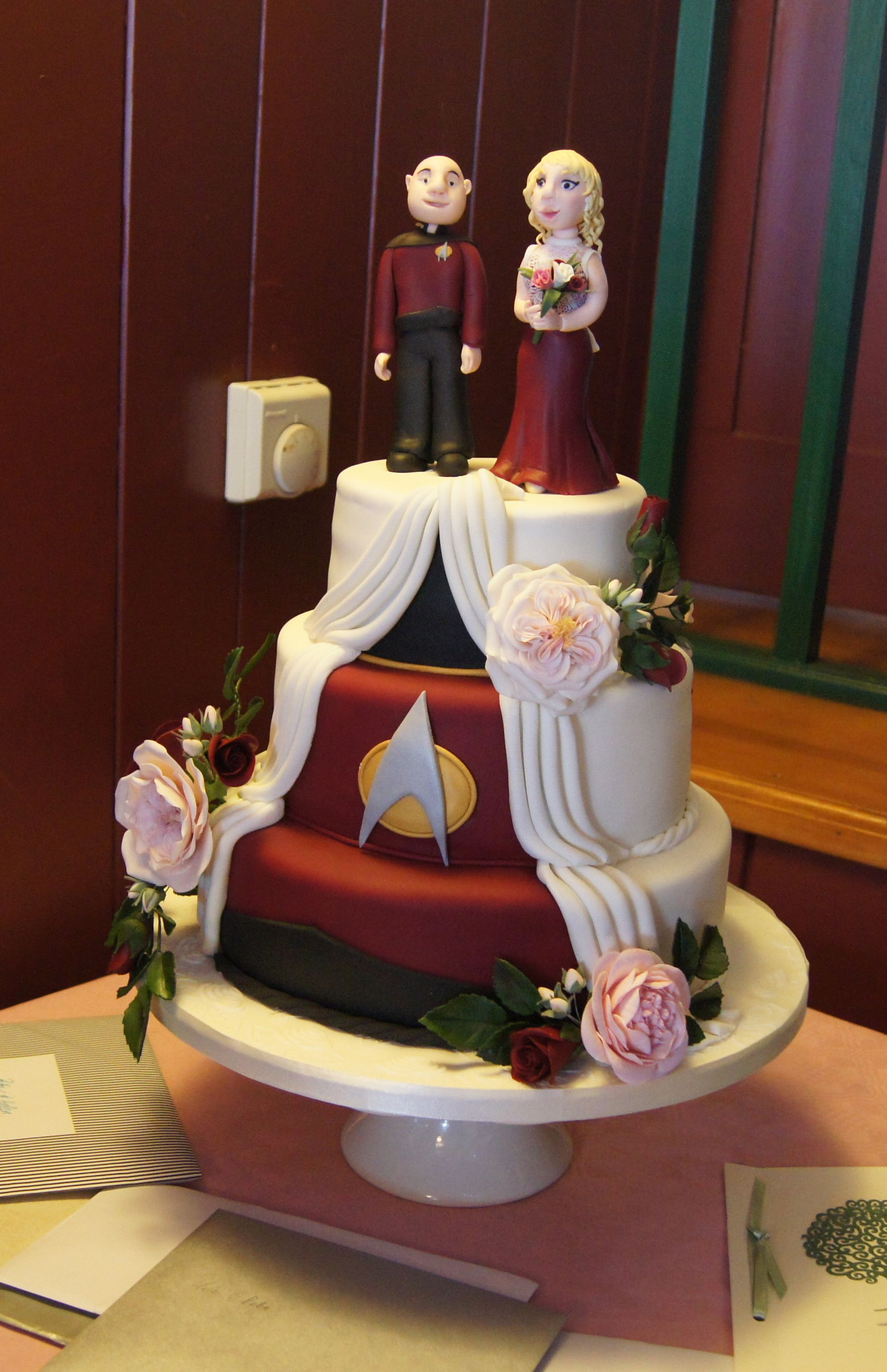 star trek themed wedding cake trek wedding cake by alderman cakes and more 20499