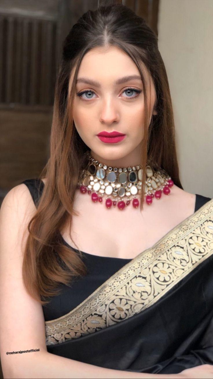 Sixty Three In 2020 Saree Hairstyles Indian Sari Dress Dress Indian Style