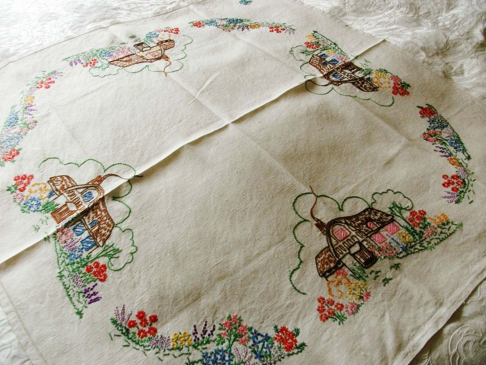 Outline embroidery designs for tablecloth - Vintage Hand Embroidered Linen 33 X 33 Thatched Cottages Tablecloth Ebay