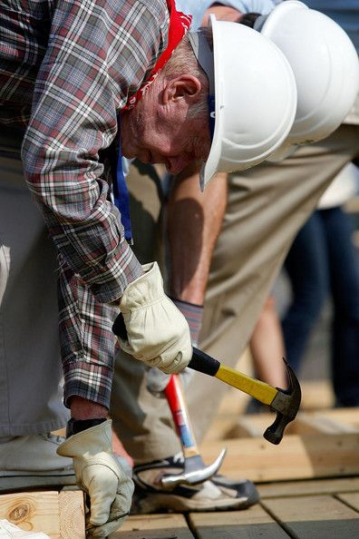 Jimmy Carter Photos Photos Jimmy Carter Helps Habitat For Humanity Build 1000th Home In New Orleans Habitat For Humanity Jimmy Carter Carters