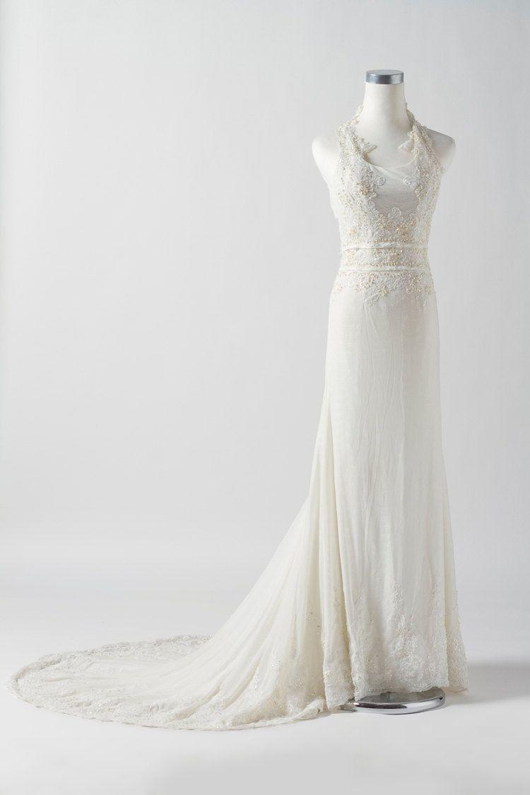 Lace wedding dress halter  Vintage Lace Wedding Dress Bridal Gown Halter Lace Flowers Beading
