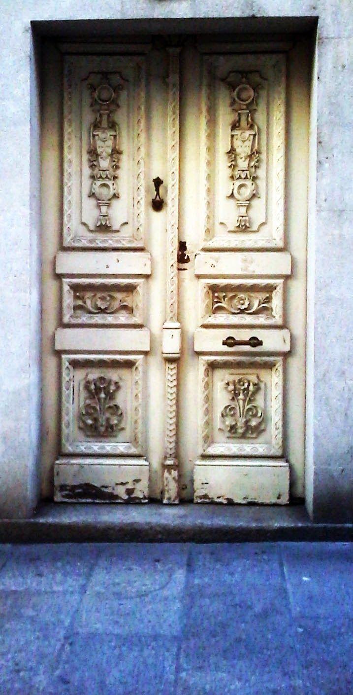 Puerta antigua ourense puertas pinterest antigua for Puerta casa antigua