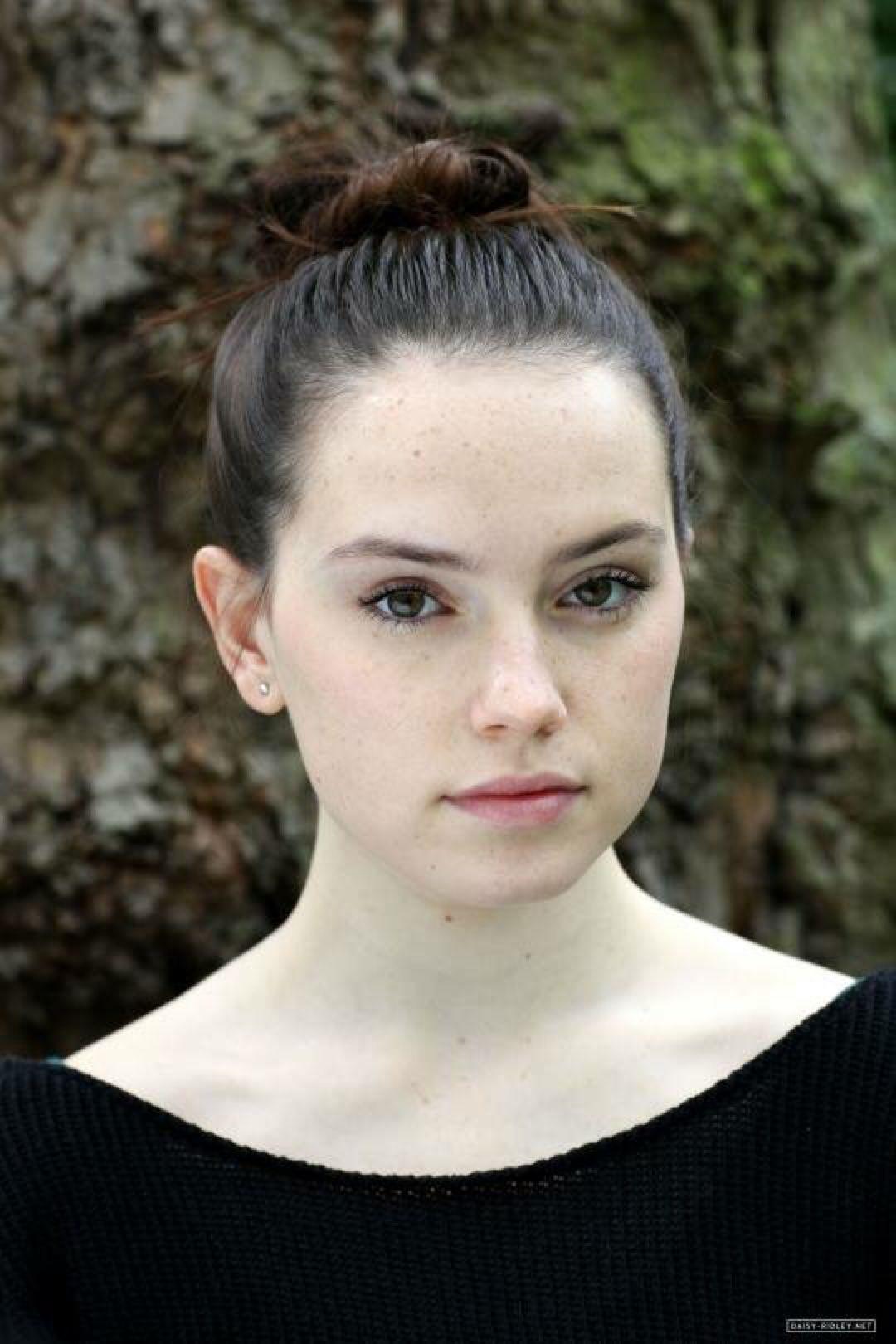 Daisy Ridley (born 1992)