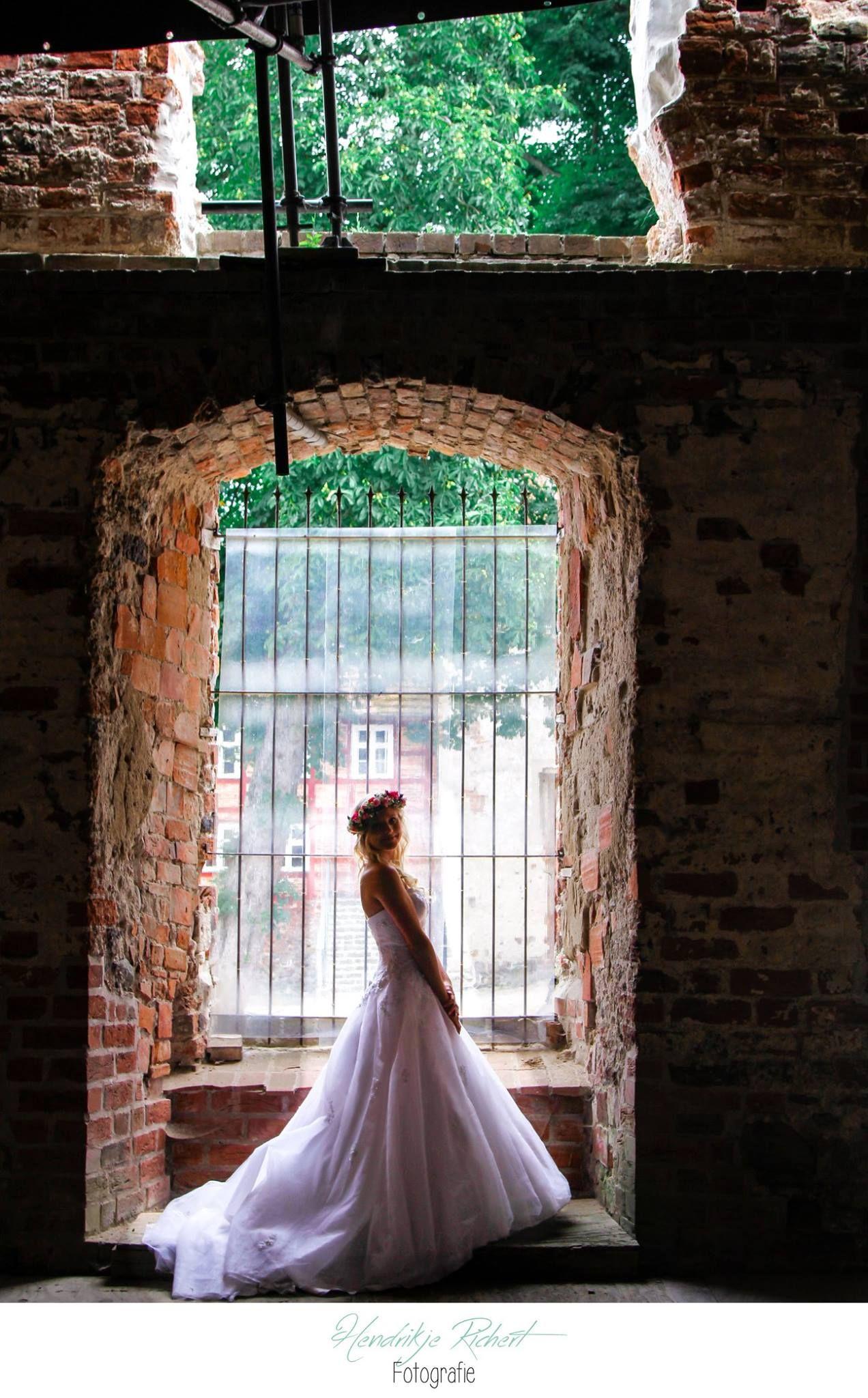 Braut| Hochzeit| After Wedding Shooting| Burg Stargard| Blumenkranz ...