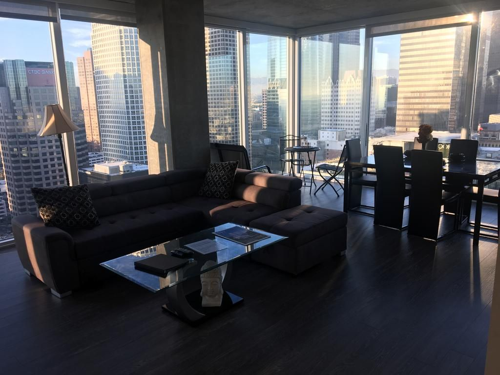 Downtown Highrise Luxury Living Located Within The Downtown ...