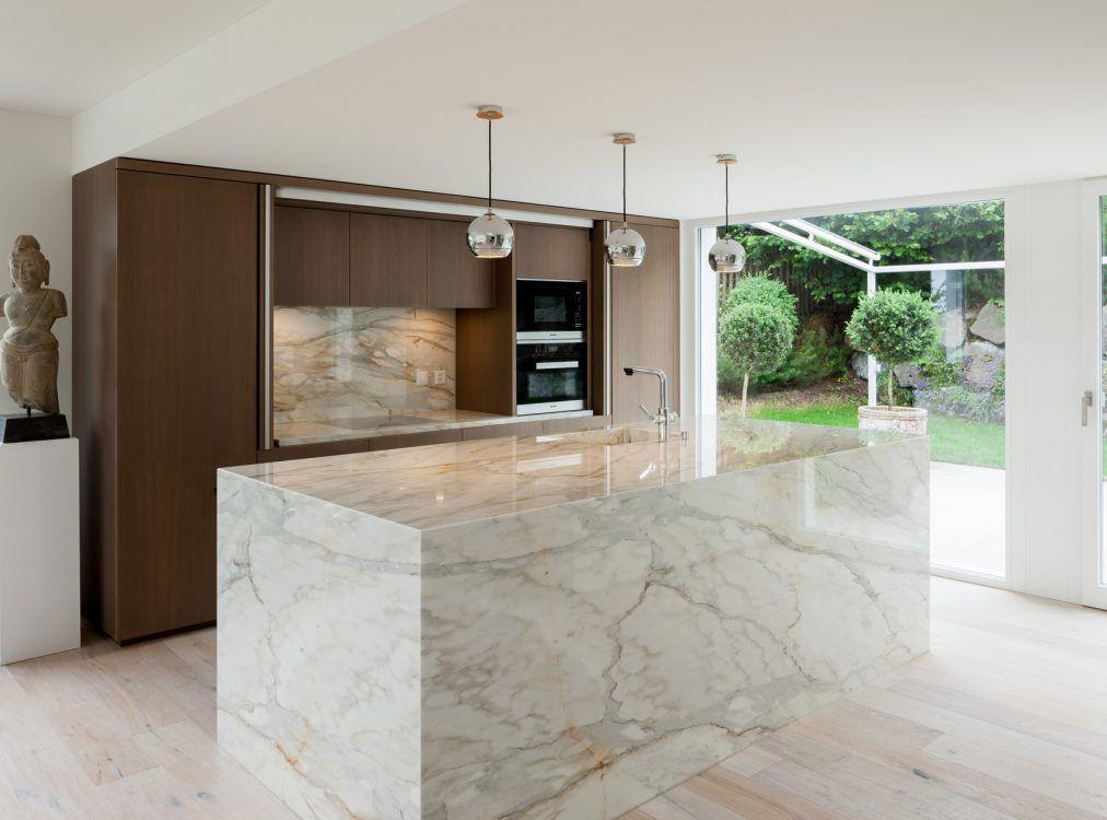 Die moderne Küche bietet die Möglichkeit die Küchenzeile mit der - moderne kuche