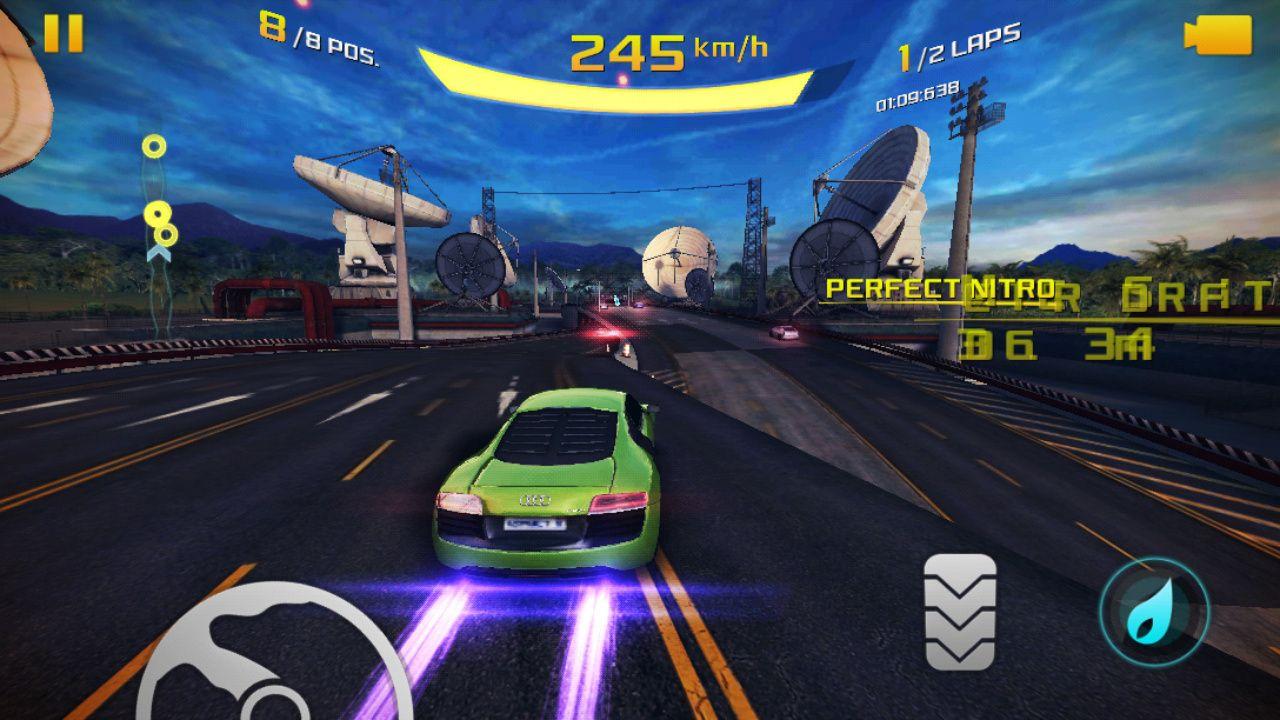 เกมส์ Asphalt 8 Airborne เกมส์นี้เป็นเกมส์แนวแข่งรถครับ