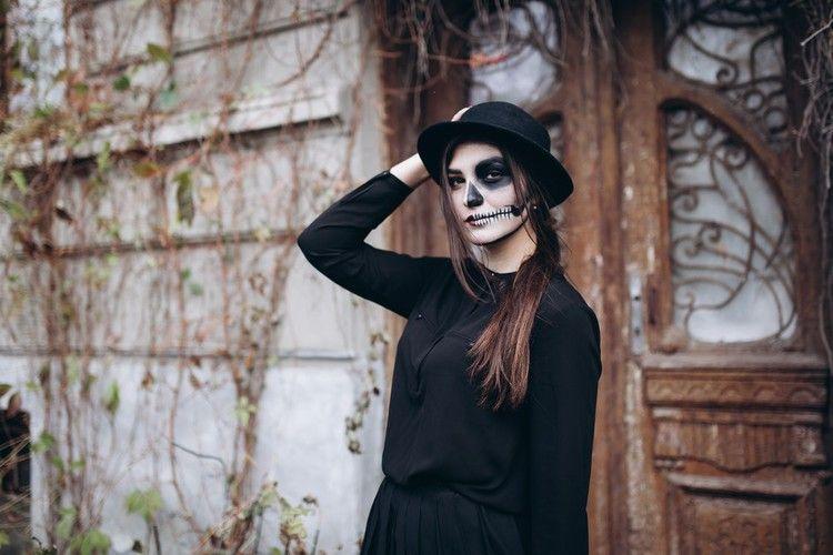 The 12 Spookiest Halloween Costumes on