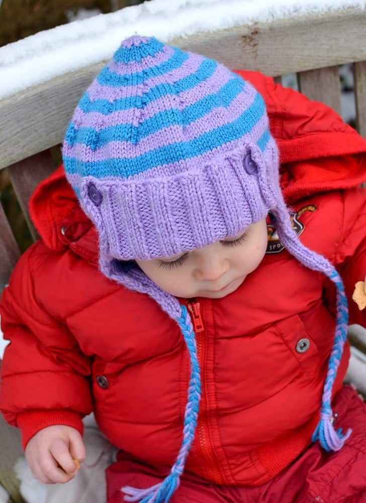 Niedlichkeitsalarm: Gestrickte Babymütze mit Ohrenklappen ...