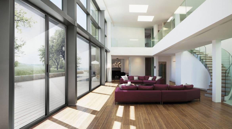 Essenza, portafinestra tutto vetro a battente.  elementi strutturali con ingombri minimi, per dare la massima importanza alla trasparenza e all'eleganza del vetro. Alta prestazione tecnologica.