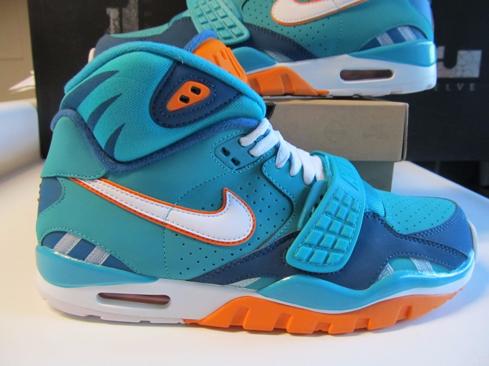 2c6aa07f04a6 Nike Air Trainer SC II QS NFL MIAMI DOLPHINS Turbo Green Blue Orange 614640  300