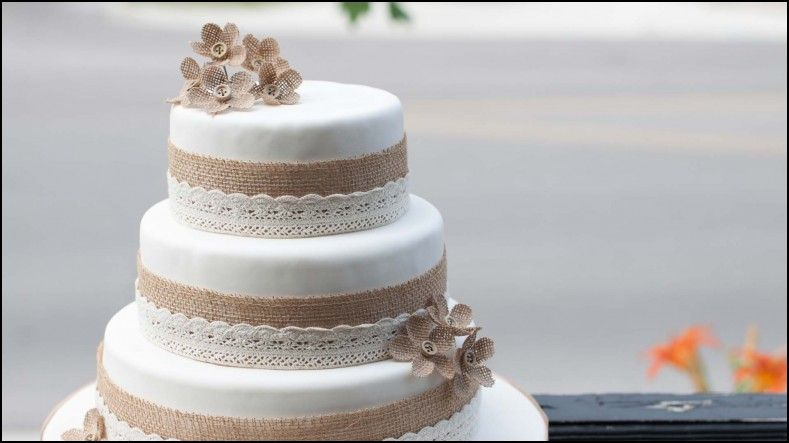 Wedding Cake Take Home Bags