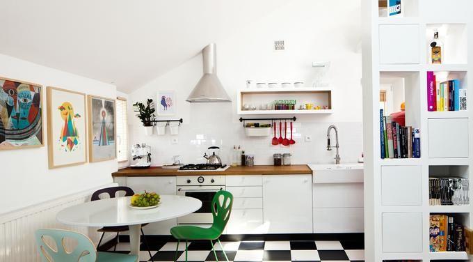 Styl Vintage W Kuchni Czarnobiala Szachownica Na Podlodze Home Decor Design Your Home Scandinavian Kitchen