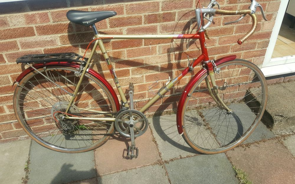 Vintage Bicycle Halfords Gold Wing Brooks Saddle Bluemel Plastic Mudguards Sporting Goods Cycling Bikes Ebay Vintage Bicycles Bicycle Antique Collection