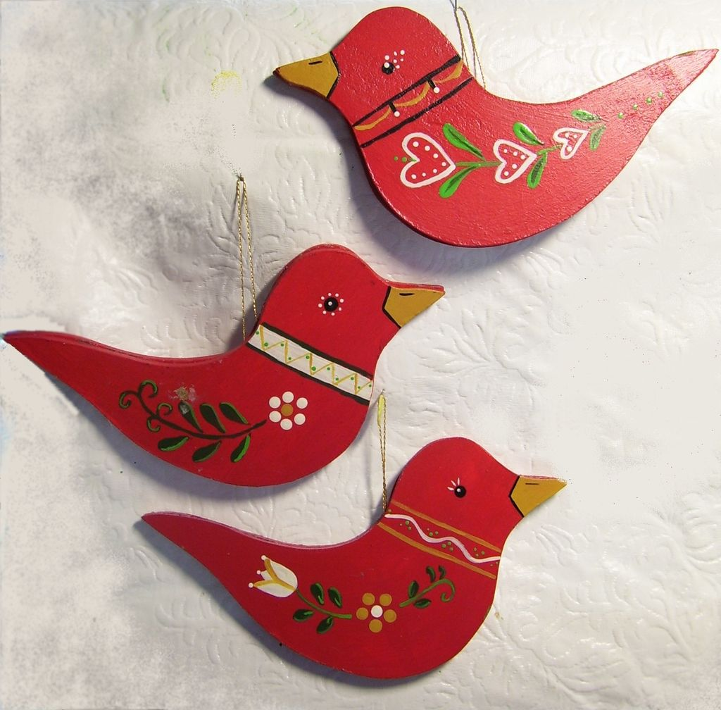 Swedish bird ornaments Swedish red is so cheery. There