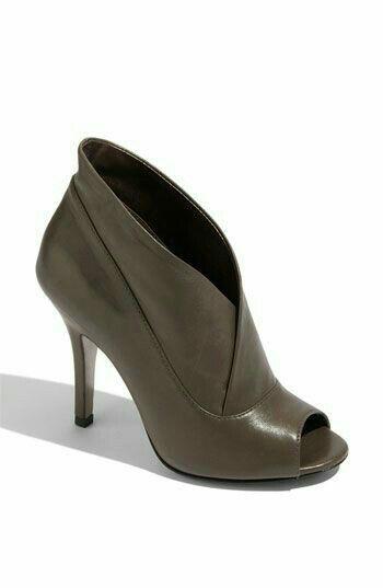 Precioso Zapato Abotinado Color Neutro Pega Con Todo Zapatos Botas Zapatos Zapatos Pump