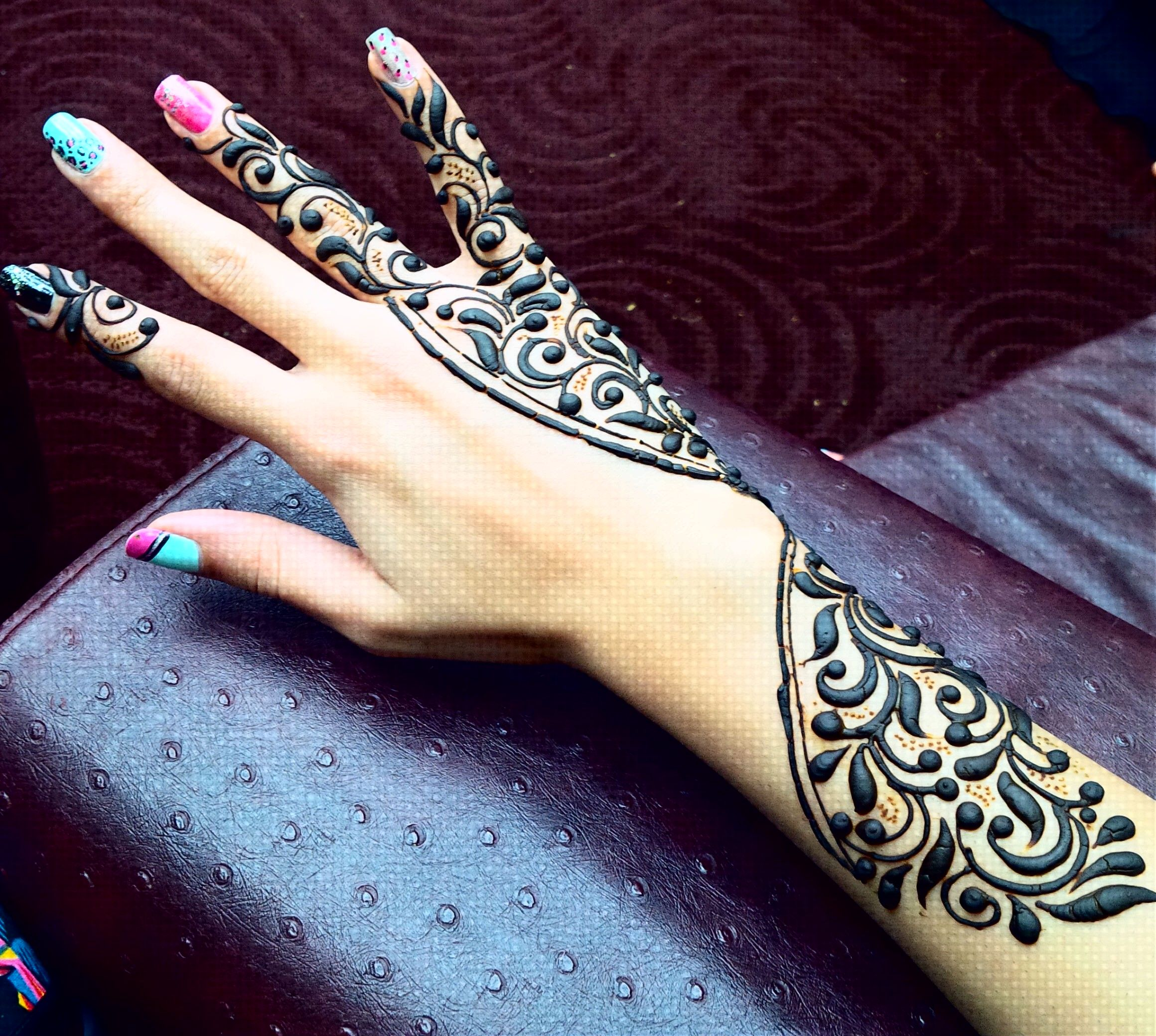 13 Unique Henna Designs Doing The Rounds This Wessing: UniQue Henna DesiGn!
