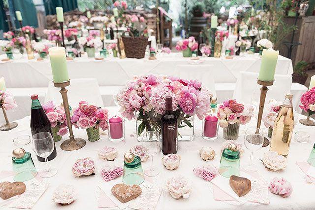Bunte Vintage Hochzeit Von Sarah Bel Photography Tischdekoration