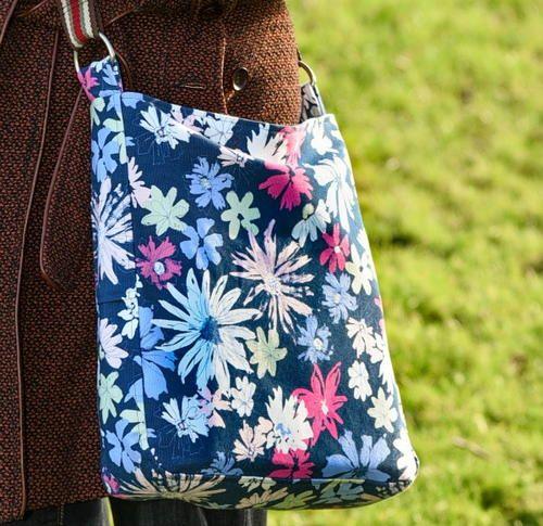 Zip Top Messenger Bag | Pinterest | Nähen