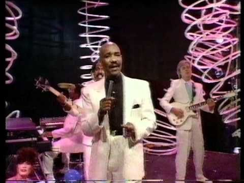 Hot Chocolate It Started With A Kiss 1982 Youtube